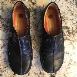 Clark's UnStructured ladies shoes
